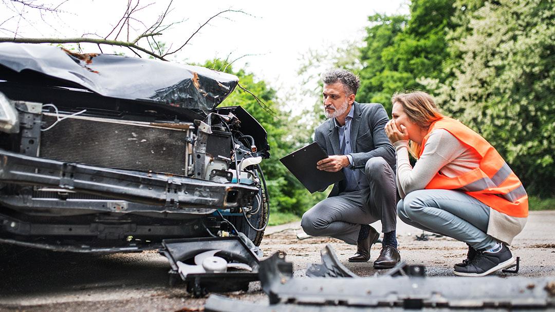 10 wichtige Punkte nach einem Unfall. Tipp – INGENIEURBÜRO GELBE + KOLLEGEN GbR